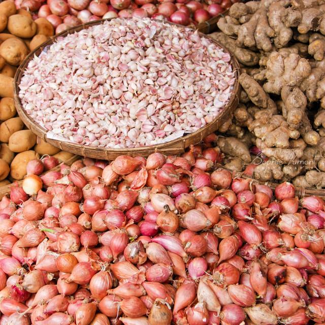 Garlic onions ginger [ Pyin Oo Lwin, Myanmar ]
